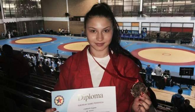 Foto: O sportivă de la CS Farul ţinteşte medalia mondială la sambo