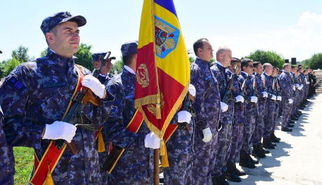 Ostașii români căzuți în luptă, comemorați la Cimitirul Eroilor - ostasiiromani-1559846460.jpg