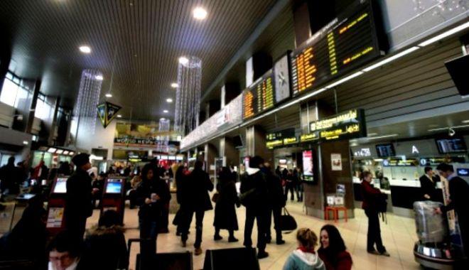 Foto: Alertă pe Aeroportul Otopeni, din cauza unei mașini suspecte