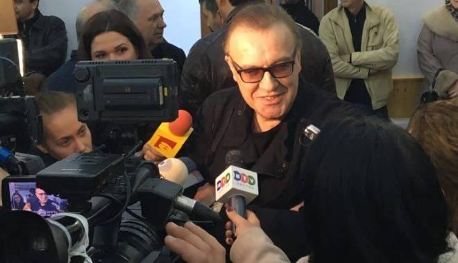 """Foto: Primarul George Scupra a inaugurat Centrul Cultural """"Gabriel Cotabiţă"""""""