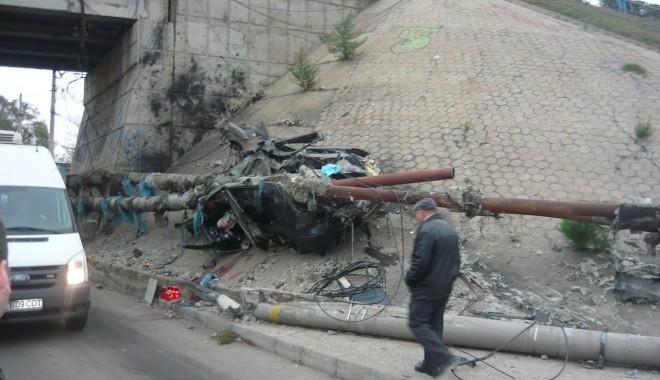 Tânăr mort într-un grav accident în zona podului de la Doraly. GALERIE FOTO - p1050435-1352881450.jpg