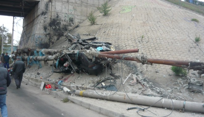 Tânăr mort într-un grav accident în zona podului de la Doraly. GALERIE FOTO - p1050436-1352881474.jpg