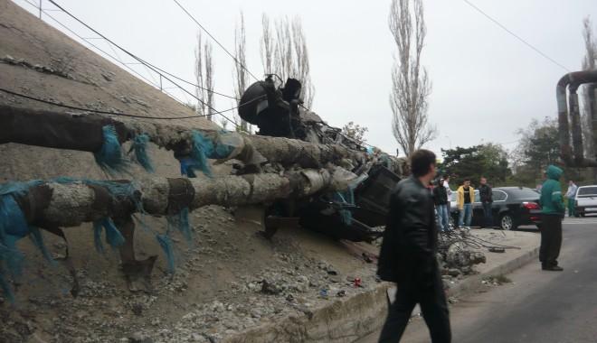 Tânăr mort într-un grav accident în zona podului de la Doraly. GALERIE FOTO - p1050443-1352881532.jpg