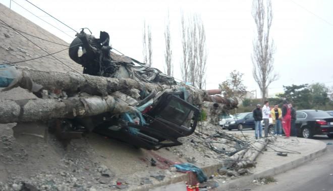 Tânăr mort într-un grav accident în zona podului de la Doraly. GALERIE FOTO - p1050444-1352881541.jpg