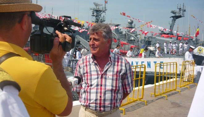 Foto: Galerie FOTO. Ziua Porţilor Deschise. Mircea Duşa, în portul militar Constanţa. Iată ce a declarat ministrul Apărării