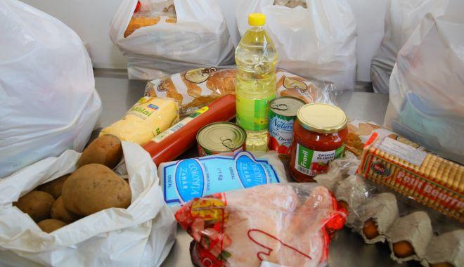 Pachete cu alimente pentru persoanele vulnerabile din Constanţa - pachetecualimente1-1606401512.jpg