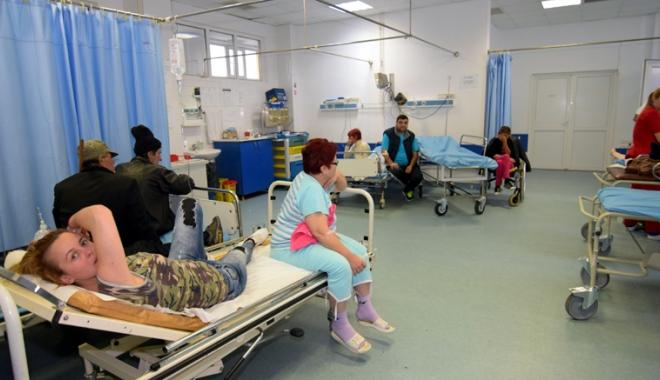 Urgenţa, asaltată de pacienţi - pacientiupu-1508772610.jpg