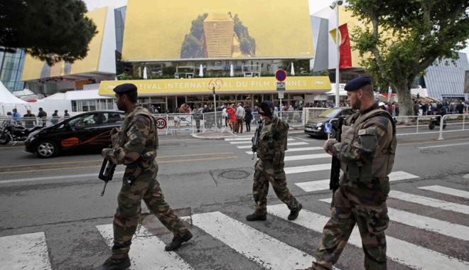 Foto: Palatul Festivalurilor de la Cannes, evacuat din motive de securitate