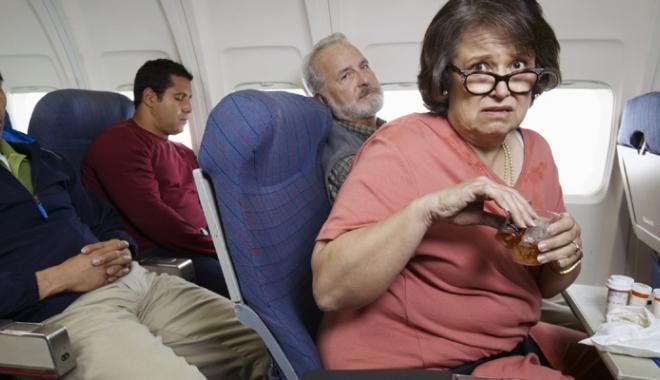 Panică în avionul  cu nebuni - panicainavion-1512304064.jpg