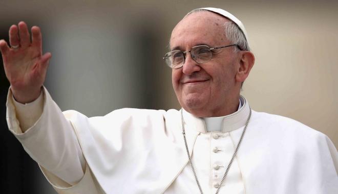 Foto: Papa Francisc a celebrat astăzi liturghia în fața a 1.000 de deținuți
