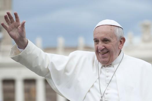 Foto: Vizita Papei Francisc în România va fi marcată de Banca Naţională. BNR pune în circulaţie monede din aur