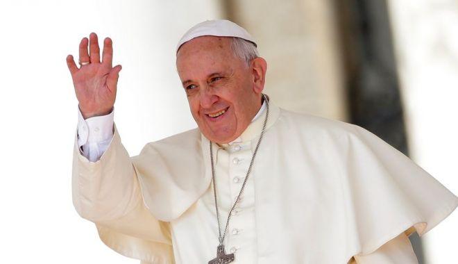 Foto: Papa Francisc a lăudat întâlnirea dintre Trump și Kim: Este un gest semnificativ, care crește speranța pentru pace