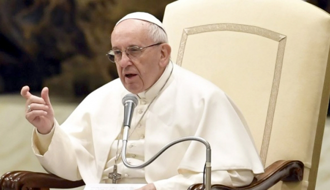 Foto: Papa Francisc a făcut apel la sporirea sprijinului acordat migranţilor