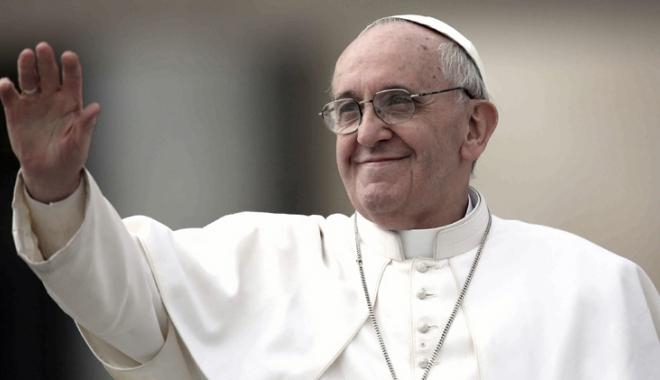 Foto: Papa Francisc a lansat o campanie de ajutorare a migranţilor