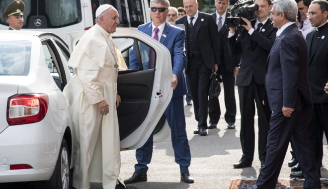 """Foto: """"Homosexualii trebuie respectaţi. Creştinii  trebuie să îşi ceară scuze"""""""