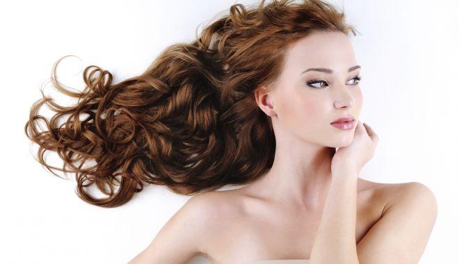 Foto: Tratamente pe bază de rozmarin, pentru un păr sănătos