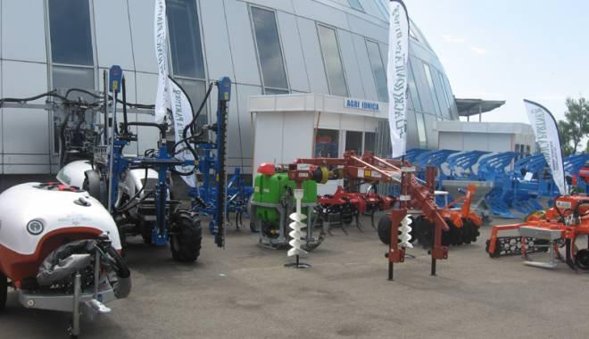 Parada mașinilor și utilajelor agricole, la EXPOAGROUTIL - paradaexpoagroutil15-1432829966.jpg