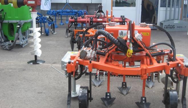 Parada mașinilor și utilajelor agricole, la EXPOAGROUTIL - paradaexpoagroutil17-1432829985.jpg