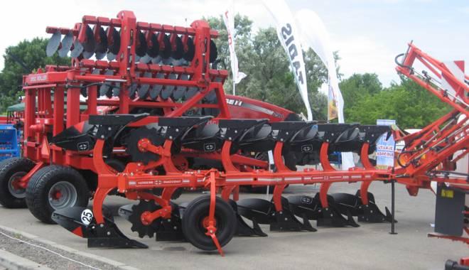 Parada mașinilor și utilajelor agricole, la EXPOAGROUTIL - paradaexpoagroutil18-1432829995.jpg