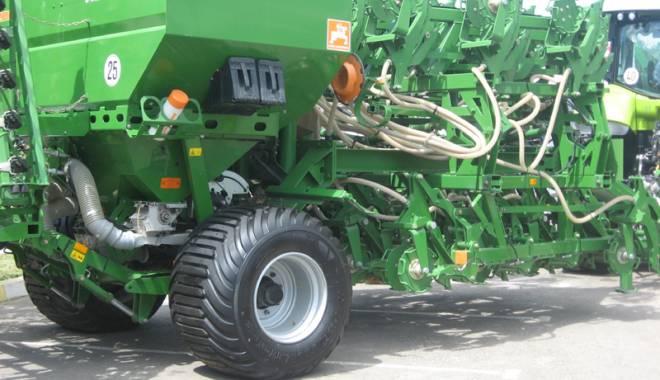 Parada mașinilor și utilajelor agricole, la EXPOAGROUTIL - paradaexpoagroutil5-1432830170.jpg