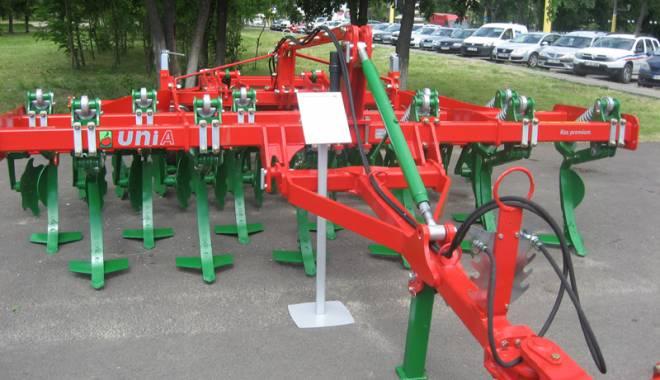 Parada mașinilor și utilajelor agricole, la EXPOAGROUTIL - paradaexpoagroutil9-1432830206.jpg