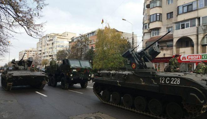Foto: Paradă militară şi fasole cu cârnaţi,  de 1 Decembrie, la Constanţa