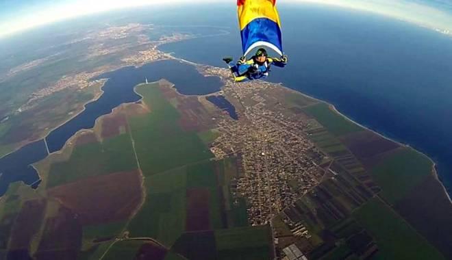 Foto: Tragedie aero! Doi morţi, iar paraşutistul Adrian Constandache - în stare gravă la spital