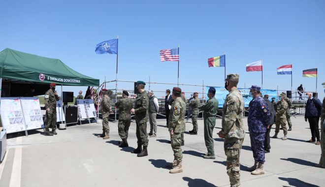 Peste 1.000 de parașutiști, reuniți la Boboc - parasutisti1-1620831299.jpg