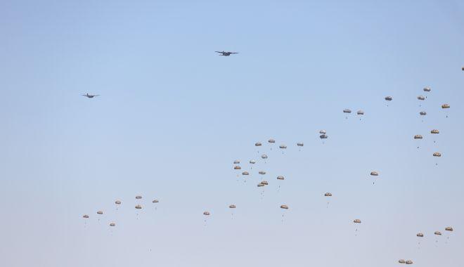 Peste 1.000 de parașutiști, reuniți la Boboc - parasutisti2-1620831320.jpg
