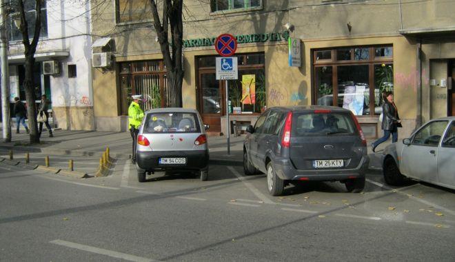 Foto: Peste 12.700 de constănţeni, amendaţi de Poliţia Locală pentru că au oprit neregulamentar