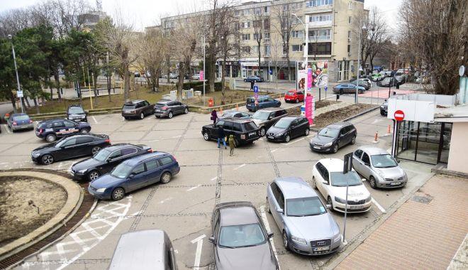 Foto: Sistem modern de plată a parcărilor, în Constanţa