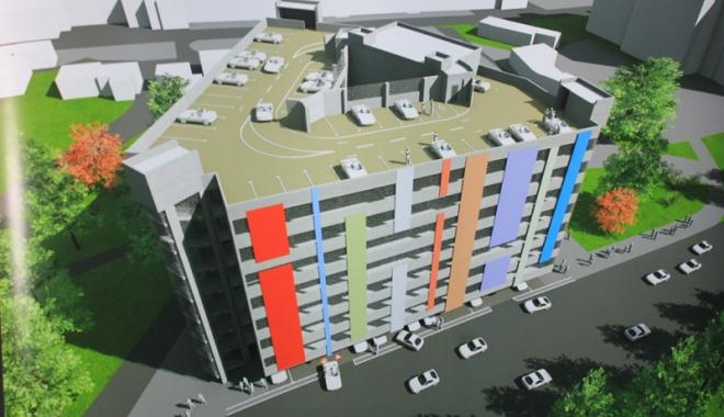 Foto: A fost inaugurat� prima parcare supraetajat� din Mamaia. F�g�d�u mai promite �nc� dou� �n sta�iune �i cinci �n Constan�a