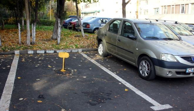 Foto: Haiducie şi tupeu! Bătaie  pe locurile de parcare din Constanţa