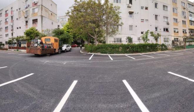 Foto: Zeci de noi locuri de parcare, amenajate la Constanţa