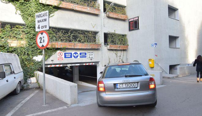 """Foto: """"Parcarea verde"""" din zona Spitalului Județean, închisă temporar"""
