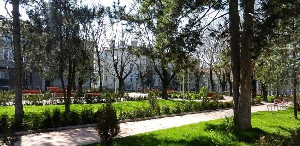 Foto: Parcurile din Medgidia, pregătite pentru zilele însorite
