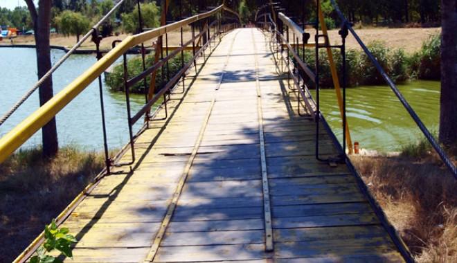 Cum a ajuns Parcul Tăbăcăriei o cloacă - parcultabacariei27-1318516742.jpg