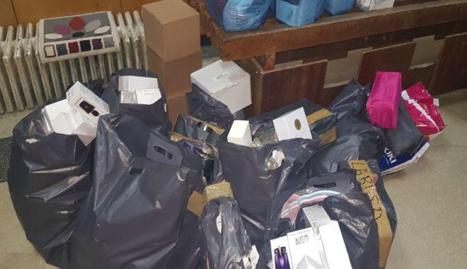 Foto: Parfumuri contrafăcute, confiscate de polițiștii de frontieră constănțeni