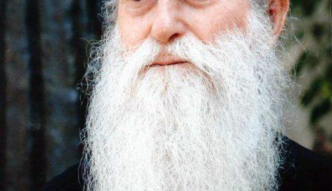 Moștenirea incredibilă a părintelui Arsenie Papacioc - parintelearsenie-1325689674.jpg