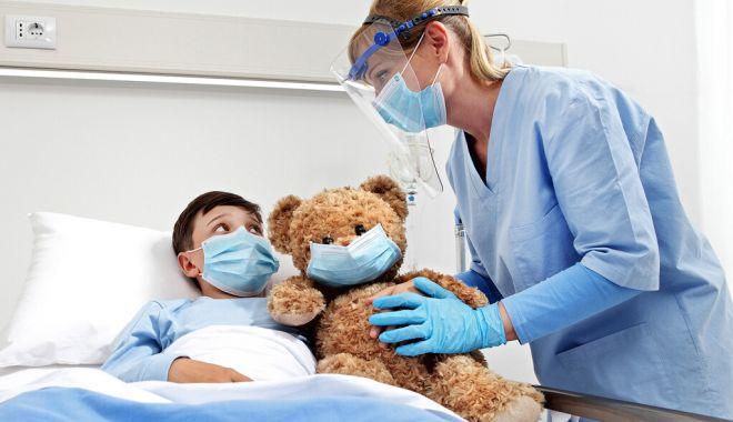 Părinţii infectaţi cu virusul SARS-CoV-2, trataţi în secţiile de pediatrie, unde sunt internaţi copiii lor - parinti-1631599752.jpg
