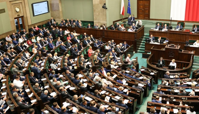 Foto: Parlamentul polonez va evalua compensaţiile de război cerute Germaniei