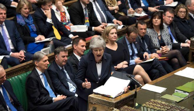 Foto: Parlamentarii britanici au respins din nou variante mai puţin dure ale retragerii din UE