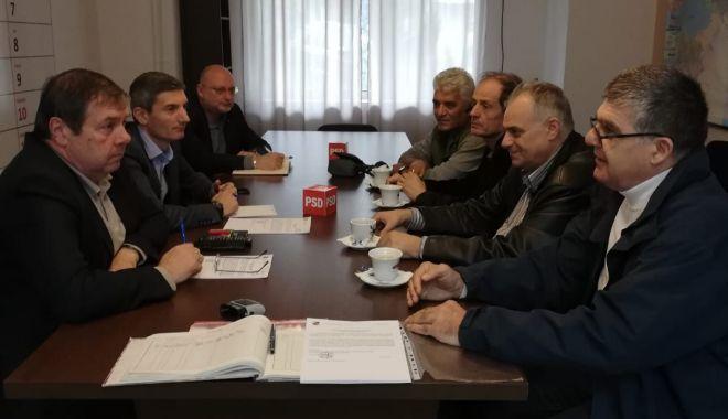 Foto: Parlamentarii Mihu și Vișan, întâlnire cu cadre militare disponibilizate din Constanța