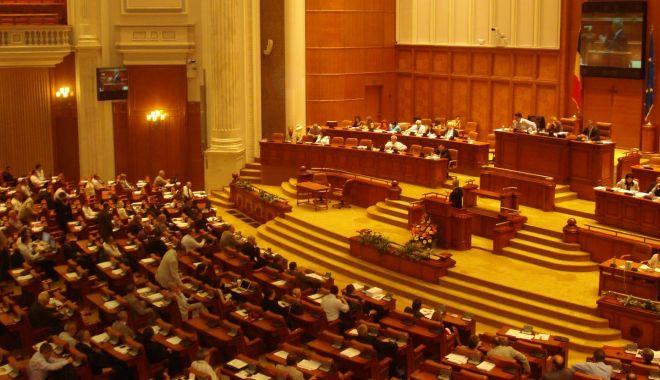 Foto: Parlamentarii PSD care vor vota moțiunea vor fi excluși din partid