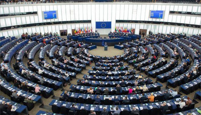 Foto: Parlamentul European se reuneşte în ultima sesiune înainte de alegeri