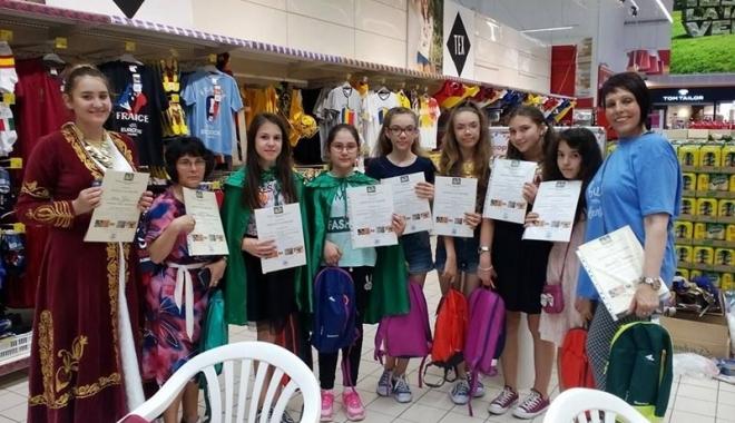 """Foto: Parteneriat între Școala nr. 12  și Asociația """"Maria-Cristiana"""""""