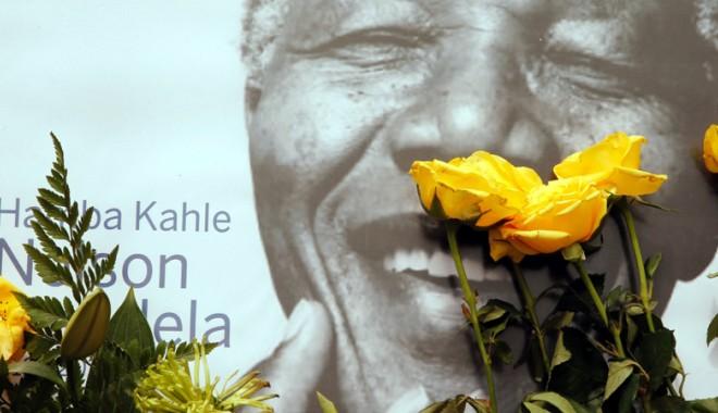 Foto: Participarea la înmormântarea lui Mandela, strict rezervată familiei