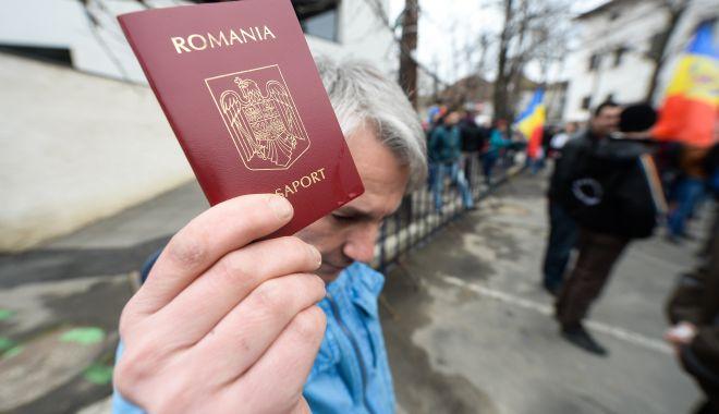 Constănțenii pot obține pașaportul în cinci zile - pasapoartasursarealitatea-1602607218.jpg