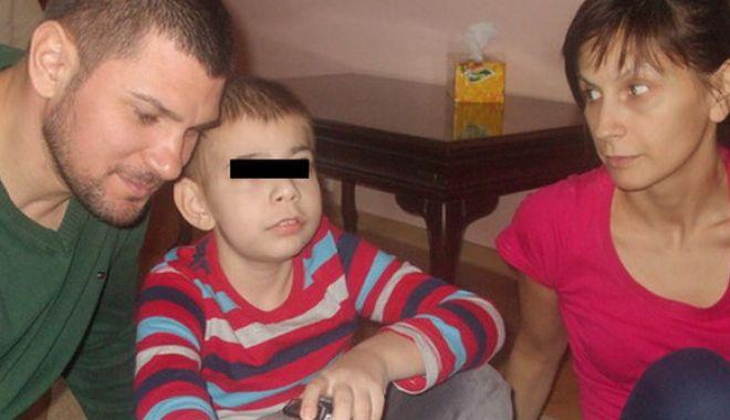 Fiul fotbalistului Cosmin Paşcovici a murit, după ani de chin și suferință - pascovicifamilie-1539278050.jpg