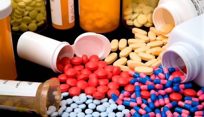 Ministerul Sănătăţii iniţiază consultări cu asociaţiile de pacienţi şi principalii producători de medicamente - pastile-1456933066.jpg